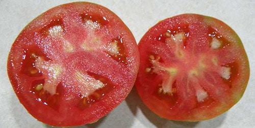 Белые волокна внутри томата мог вызвать недостаток калия